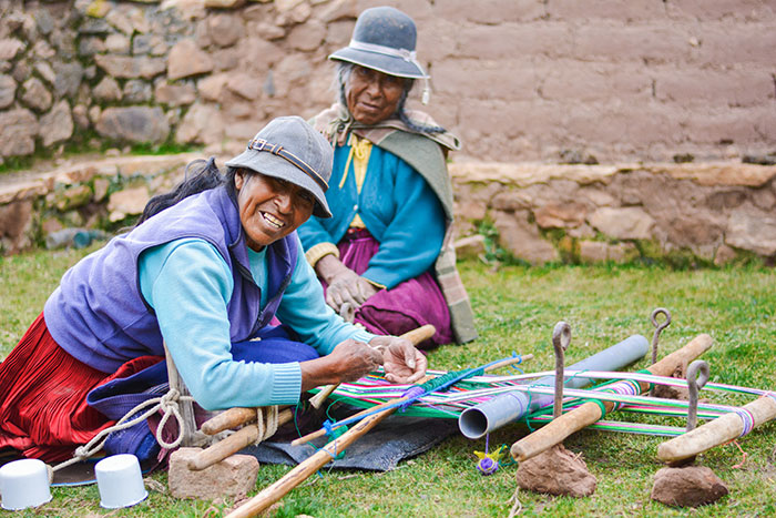 Women's weaving cooperative, Andes