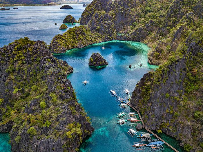 Pretty island views in the Philippines Richard Collett