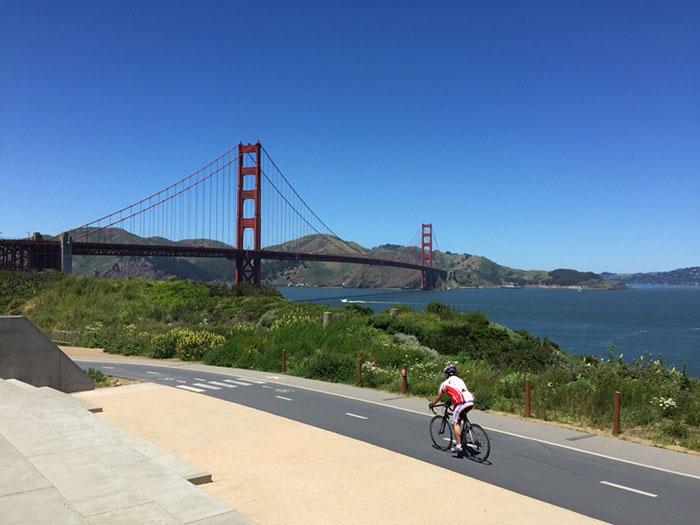 Cycle across the Golden Gate Bridge (image: Claus Gurumeta)