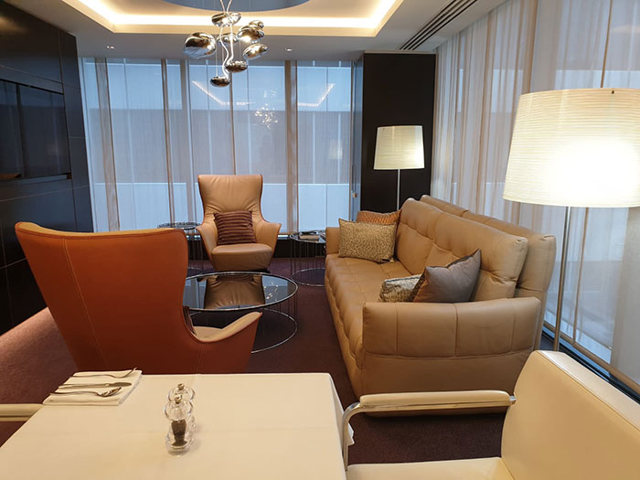 Exclusive room in The House lounge