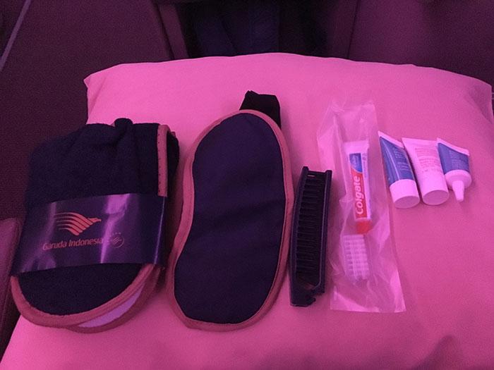 Garuda Indonesia, Business Class amenity kit