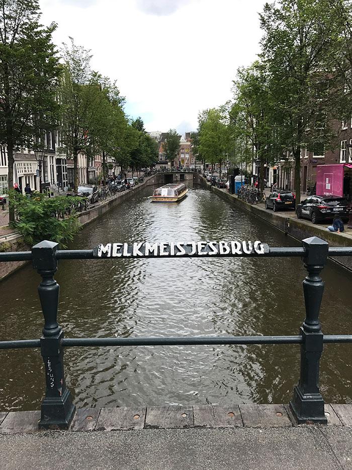 Melkmeisjesbrug, Amsterdam (image: Ross Jennings)