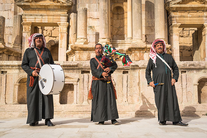 Pipers of Jerash, Ross Jennings
