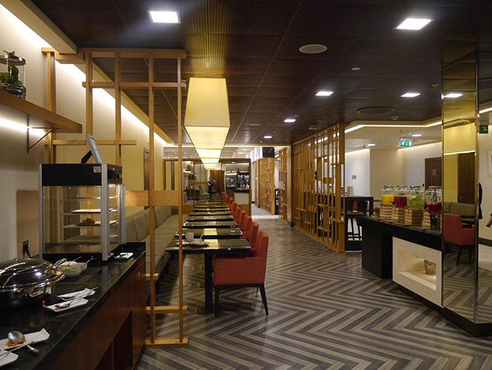 Singapore Airlines SilverKris Lounge, London Heathrow, buffet area