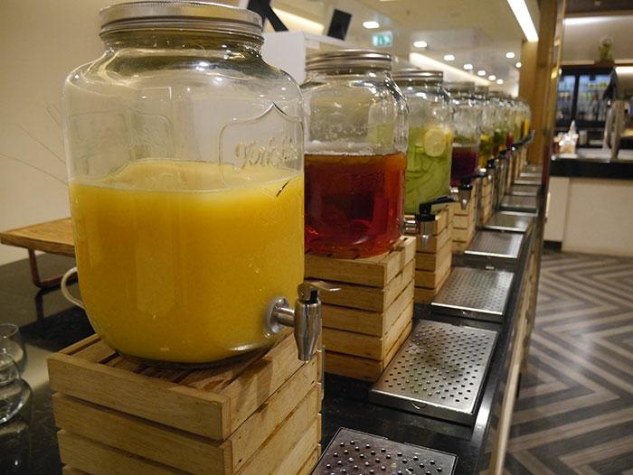 Singapore Airlines SilverKris Lounge, London Heathrow, hydration station
