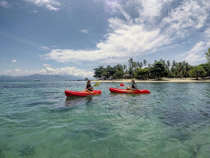 Kayaking in Palawan (image: Rebecca Pocklington)