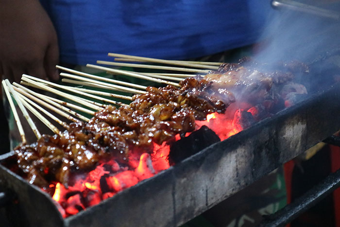 Sate sticks, Bali (image: Pho East Movement)