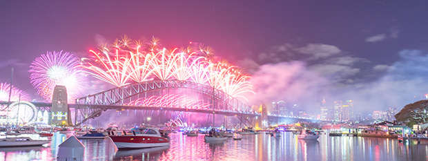 Fireworks on the Sydney Harbour Bridge at New Years Eve
