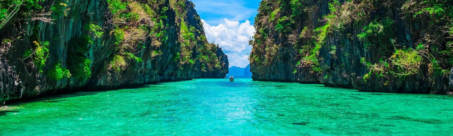 Palawan lagoon in the Philippines