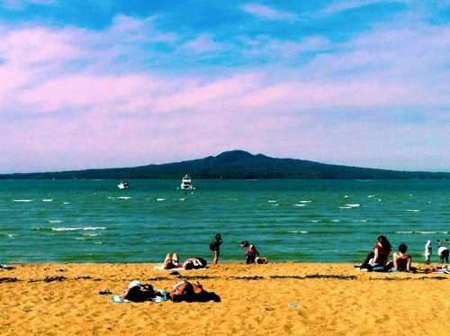 Top 10 things to do in auckland flight centre travel blog uk - Mission bay swimming pool auckland ...