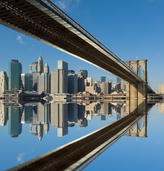Brooklyn Bridge, New York, Reflection on the East River