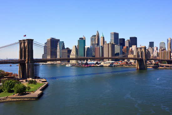 Daytime, Brooklyn Bridge in New York