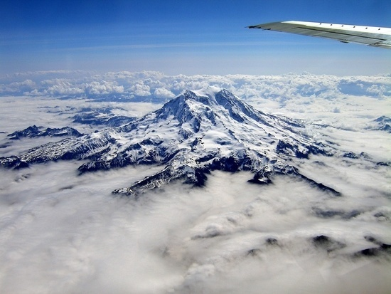 Mount Rainer by Plane in Washington State