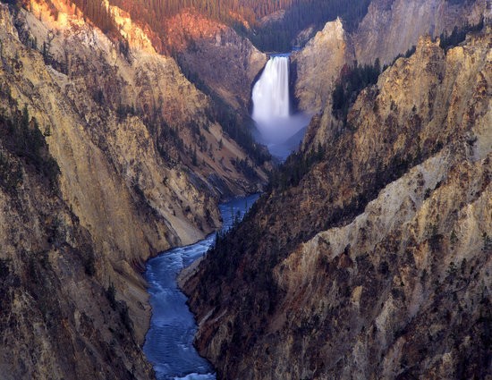 Yellowstone River Falls in National Park, Wyoming