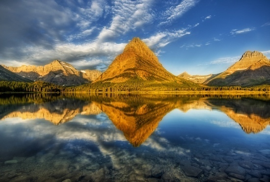 Landscape Photo Tips - Beautiful Mountain Reflected on Lake