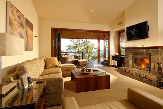 Spicers Peak Lodge, two-bedroom lounge