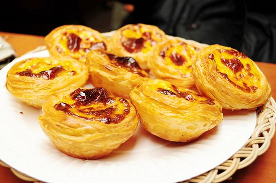 Macanese egg tarts