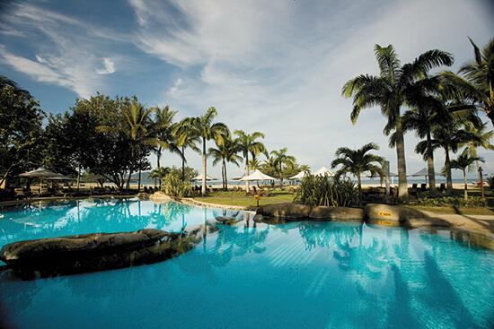 The pool at the Shangri-La Rasa Ria