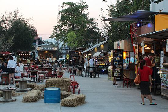 Ploen Rudee Market (Image: Helen Winter)
