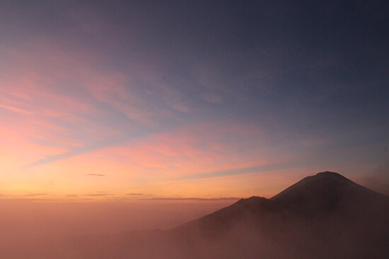 Mt Batur sunrise (image: Helen Winter)