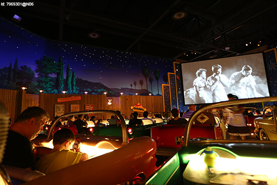 Sci Fi Dine In Theater Restaurant (image: Flickr)