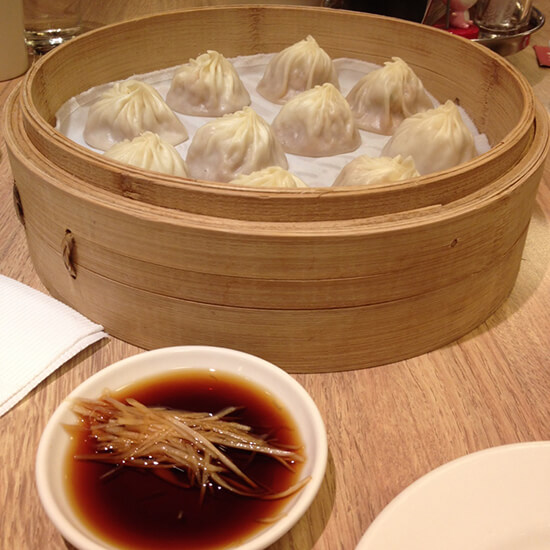 Din tai fung soup and dumplings (image: Claus Gurumeta)