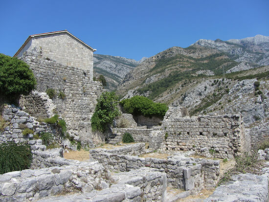 Stari bar ruins (image: Angela Griffin)