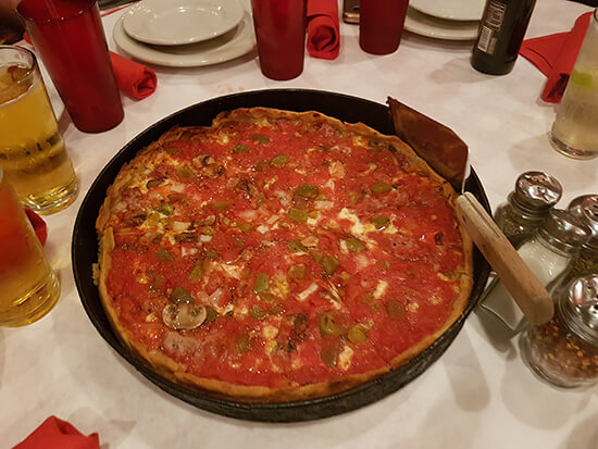 Deep-dish pizza at Pizanos (image: Alexandra Gregg)