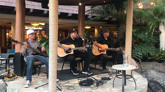 Music at Outrigger Reef (image: Phil Murray)